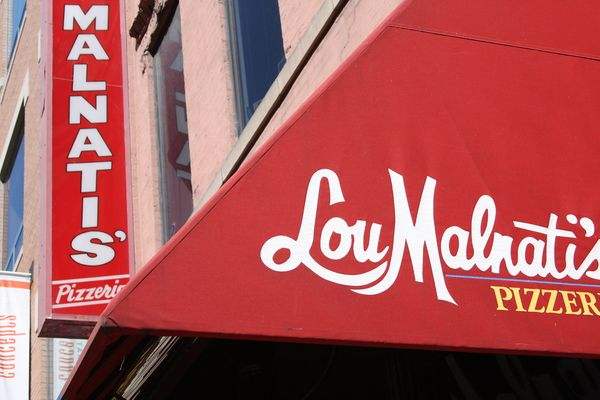 Lou Malnati's Chicago Deep Dish Review